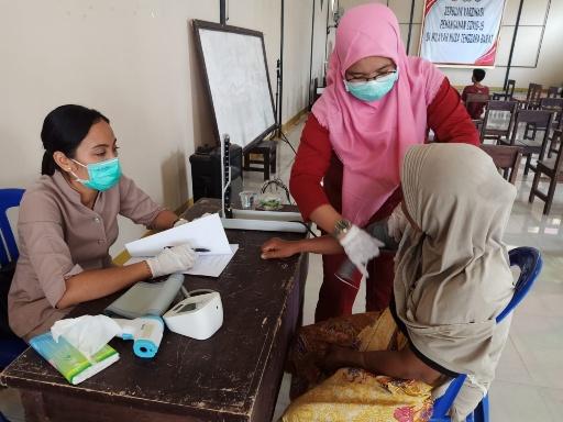 Dikes Lotim gelar suntik vaksin di Pendopo Bupati.